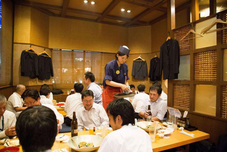 Kagoshima: Beim Tonkotsu shabu shabu Essen, Japan Rundreise, www.anitaaufreisen.at
