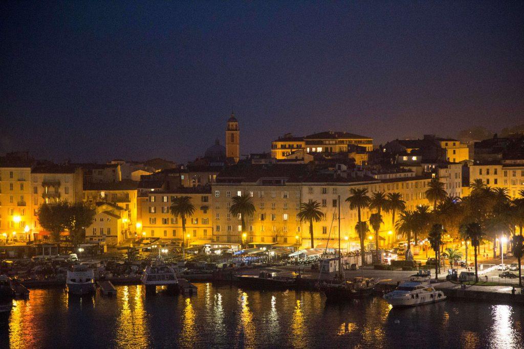 Korsika Blick auf Hafen Ajaccio, Foto Anita Arneitz, www.anitaaufreisen.at