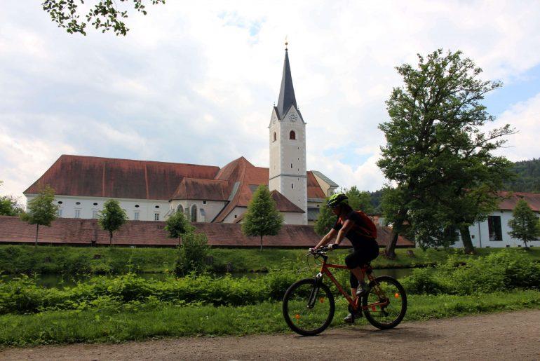 Stift Viktring, Radtour Klagenfurt, Radguide Carmen Delsnig, Reiseblog www.anitaaufreisen.at, die besten Tipps für Klagenfurt
